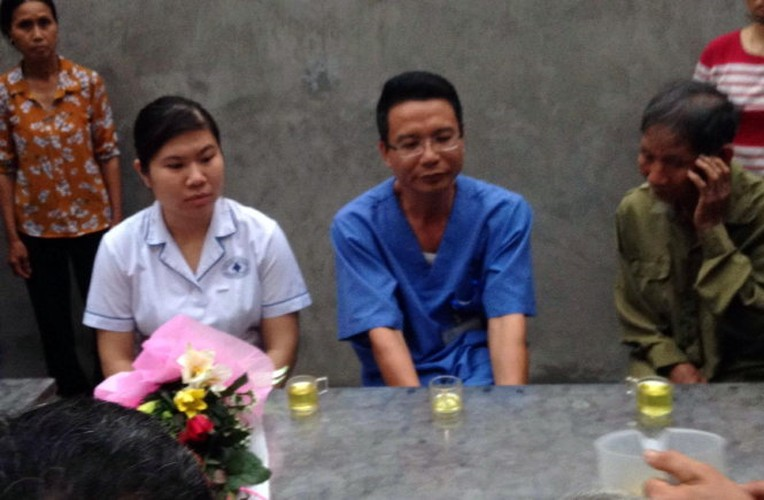 Anh: Dan Dong Tam vui mung don cu Le Dinh Kinh ve lang-Hinh-6