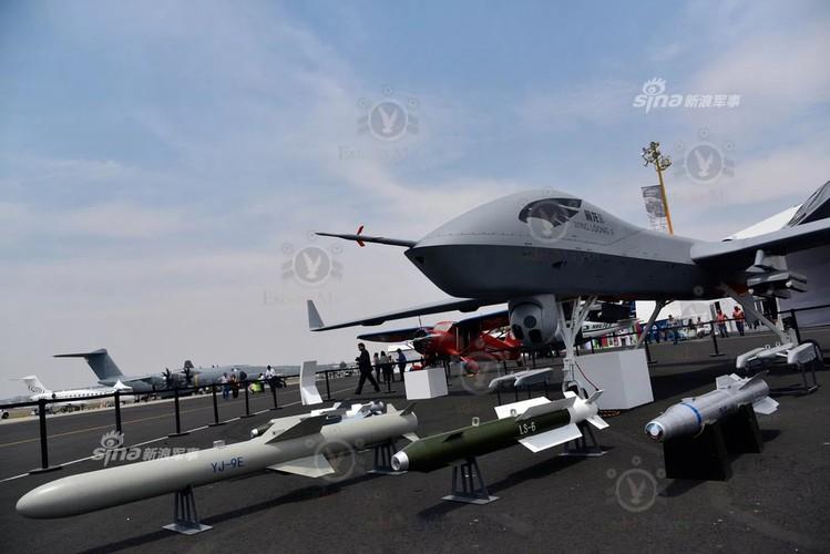 """Trung Quoc """"chiu choi: Dem UAV chien dau toi """"san sau"""" My-Hinh-2"""