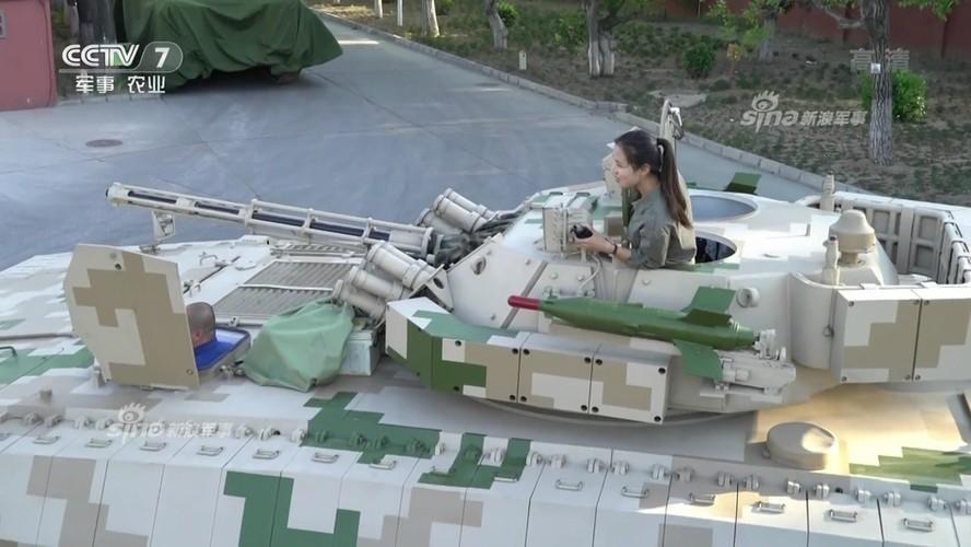 Tan mat vu khi xe chien dau bo binh TQ dang chao ban-Hinh-6
