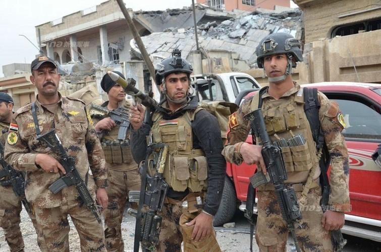Chi con 10% dien tich Mosul, Quan doi Iraq chiem khong noi