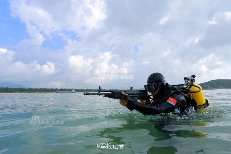 Giai ma trang bi toi mat cua dac cong nuoc Trung Quoc-Hinh-11