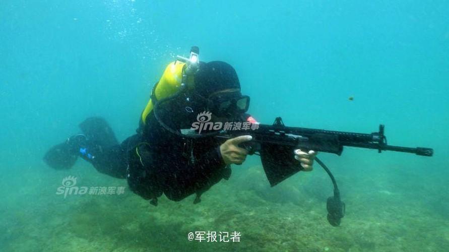 Giai ma trang bi toi mat cua dac cong nuoc Trung Quoc-Hinh-8