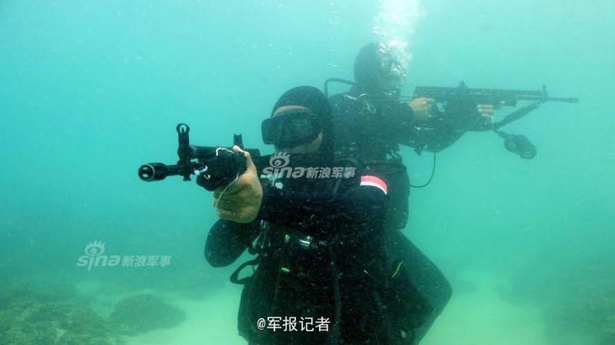 Giai ma trang bi toi mat cua dac cong nuoc Trung Quoc-Hinh-9
