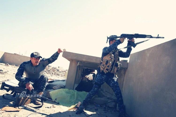 Trang bi khung, dac nhiem Iraq van vat va chong IS-Hinh-3
