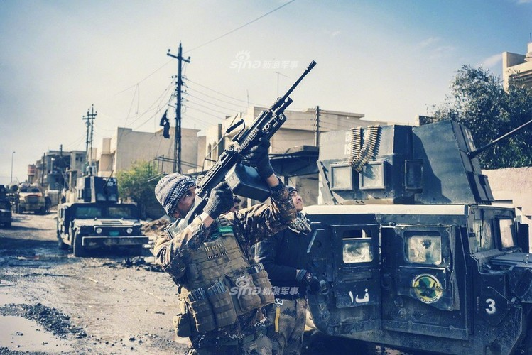 Trang bi khung, dac nhiem Iraq van vat va chong IS-Hinh-4