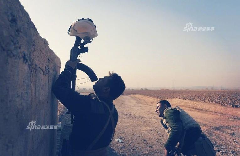 Trang bi khung, dac nhiem Iraq van vat va chong IS-Hinh-6