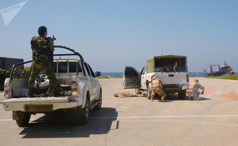 Muc kich Hai quan danh bo Nga-Syria tap tran chung-Hinh-7