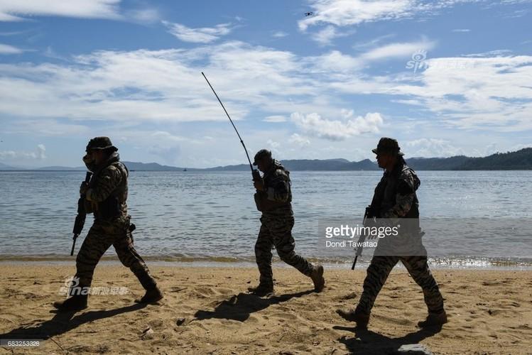 Muc kich Hai quan My-Philippines tap tran tai chiem dao-Hinh-8
