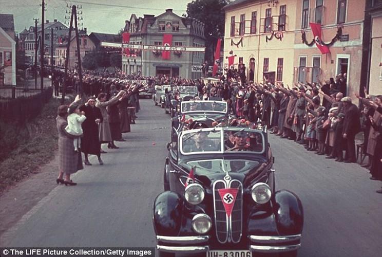 Dieu chua biet ve chiec sieu xe cua trum phat xit Hitler-Hinh-6