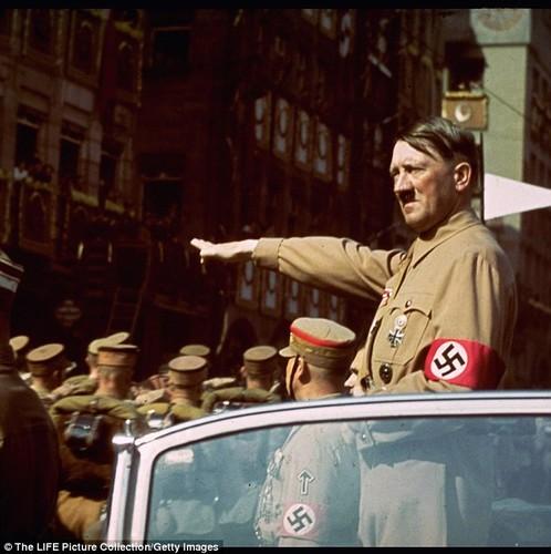 Dieu chua biet ve chiec sieu xe cua trum phat xit Hitler