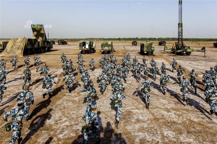 Ten lua HQ-9 Trung Quoc khong sao chep S-300 cua Nga?-Hinh-3