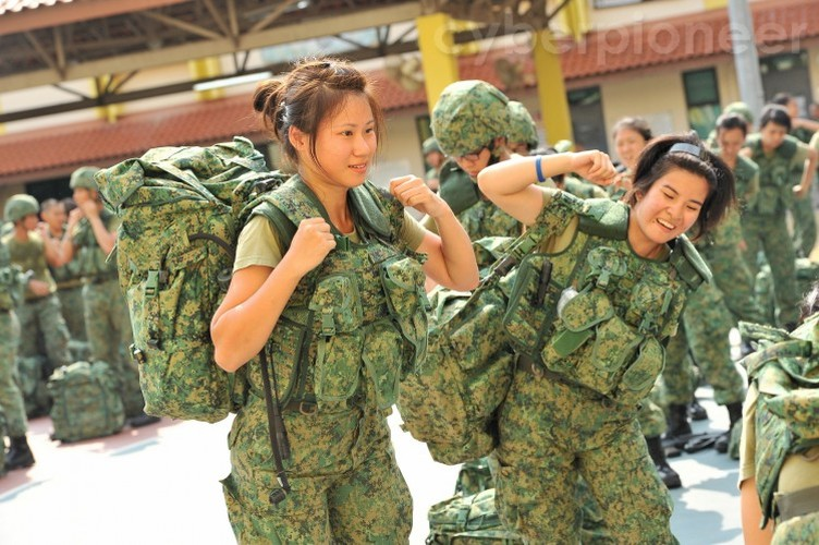 "Kinh ngac: Quan doi Singapore bi coi ""yeu hon"" Philippines-Hinh-9"