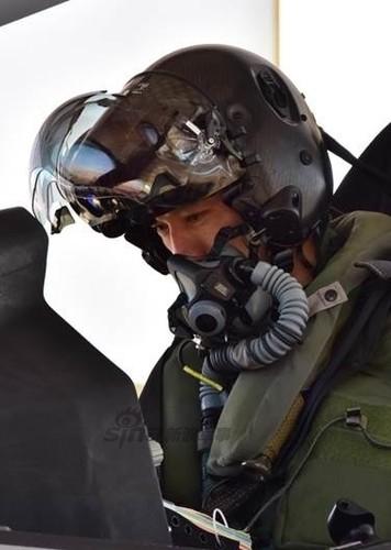 "Anh phi cong Nhat Ban ""ngao du"" tren sieu co F-35-Hinh-3"