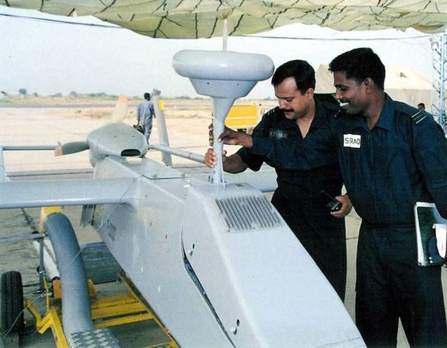"Bat ngo: CNQP ""khung"" nhung Nga phai mua UAV cua Israel-Hinh-7"