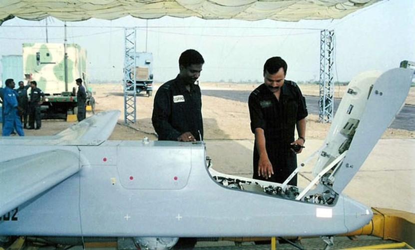 "Bat ngo: CNQP ""khung"" nhung Nga phai mua UAV cua Israel-Hinh-8"