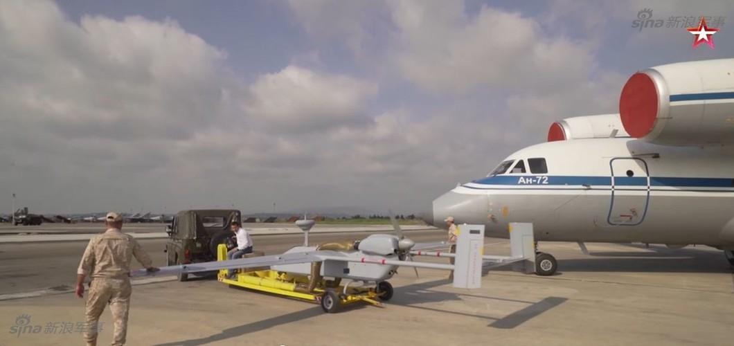 "Bat ngo: CNQP ""khung"" nhung Nga phai mua UAV cua Israel"