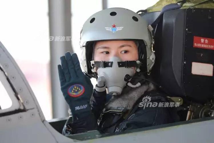 Xinh nhu mong cac nu phi cong Khong quan Trung Quoc-Hinh-3