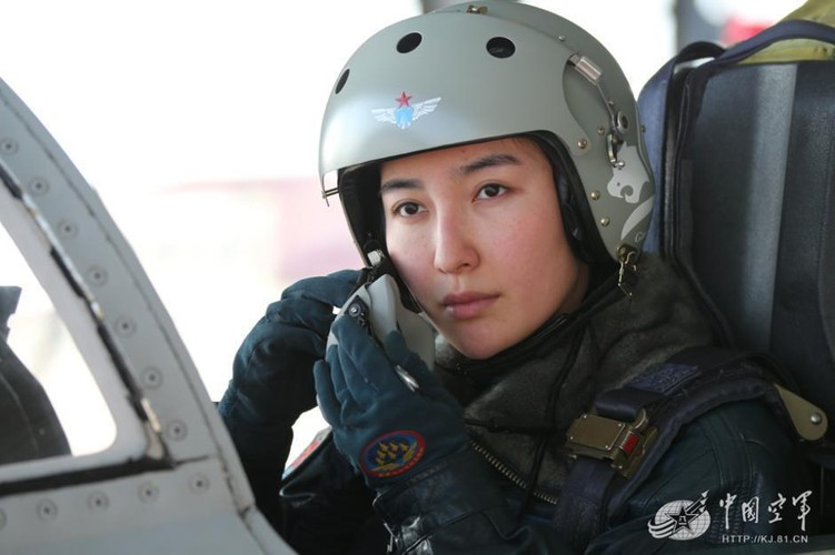 Xinh nhu mong cac nu phi cong Khong quan Trung Quoc-Hinh-7