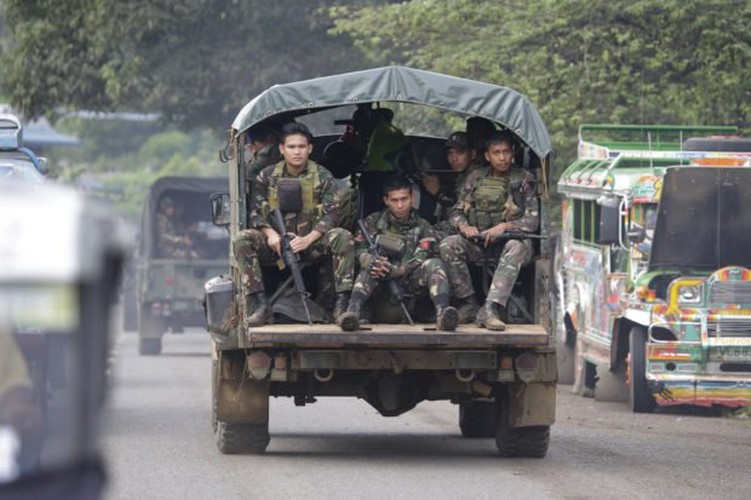 Bat luc truoc IS, Philippine phai nho dac nhiem My giup do-Hinh-3