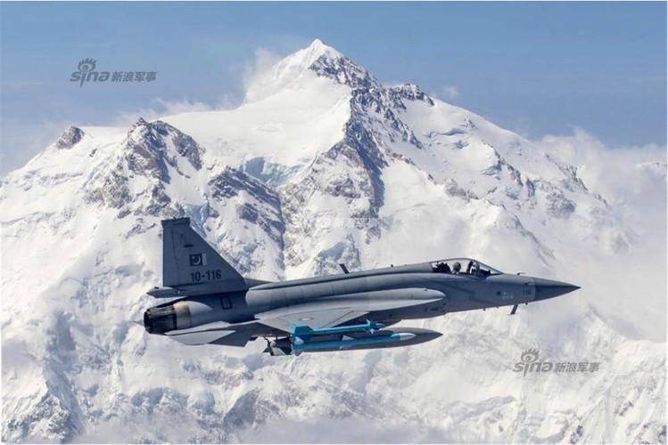 Lo dien may bay JF-17 dau tien Trung Quoc che cho Myanmar-Hinh-6