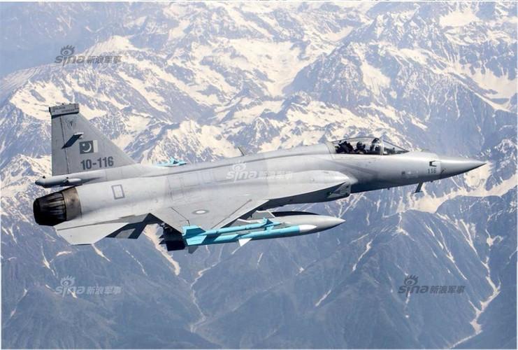 Lo dien may bay JF-17 dau tien Trung Quoc che cho Myanmar-Hinh-7