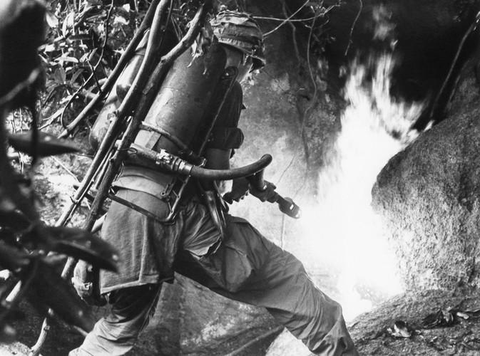Nhung loai vu khi cam My da tung dung o Viet Nam-Hinh-8