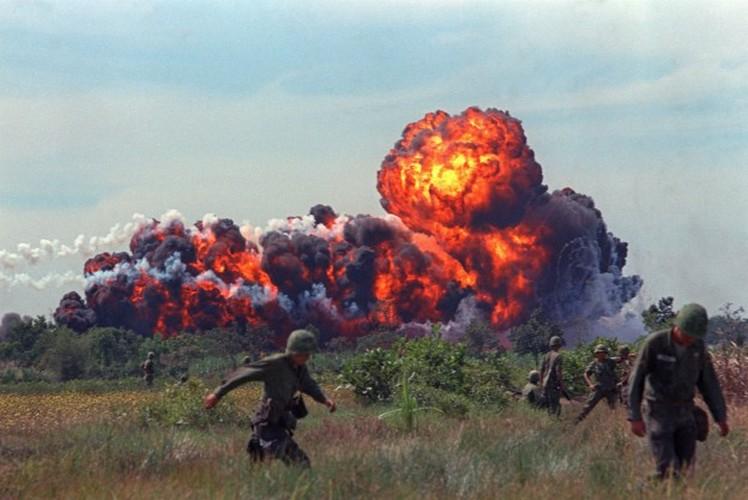 Nhung loai vu khi cam My da tung dung o Viet Nam