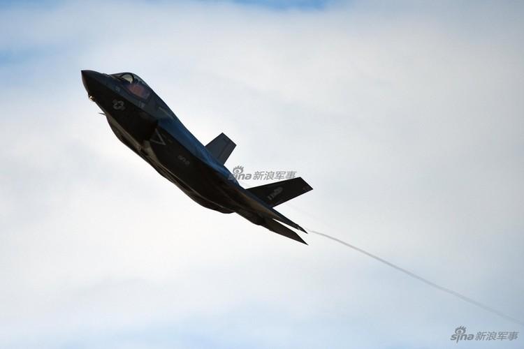 Phuc tap kinh khung dong co tiem kich tang hinh F-35B-Hinh-6