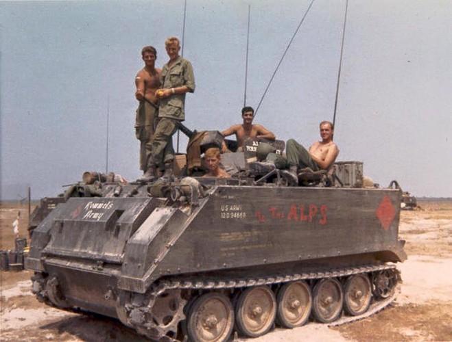 Nhuoc diem chet nguoi cua thiet giap M113 trong CT Viet Nam