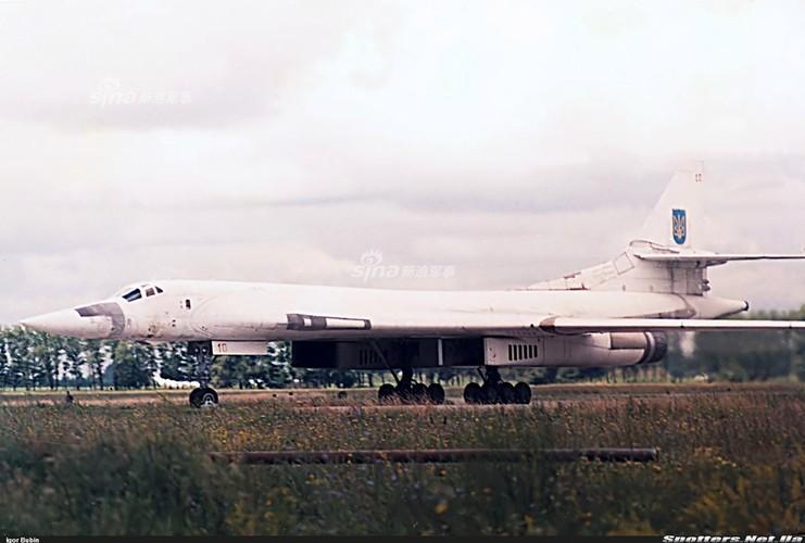 """Tai sao Nga ton tien che tao lai """"phao dai bay"""" Tu-160-Hinh-3"""