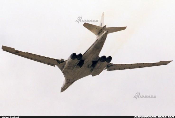 """Tai sao Nga ton tien che tao lai """"phao dai bay"""" Tu-160-Hinh-6"""