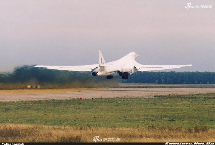 """Tai sao Nga ton tien che tao lai """"phao dai bay"""" Tu-160-Hinh-8"""