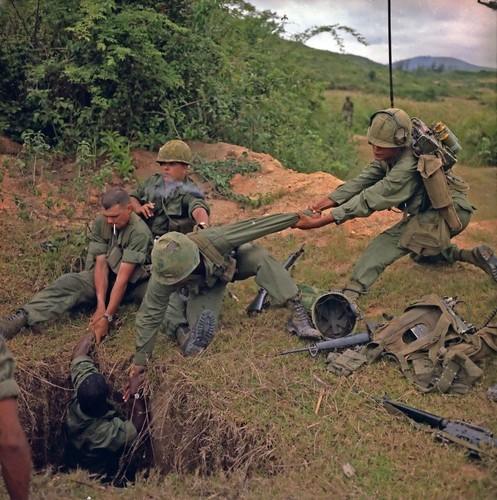 Soi nhung loai bay o Viet Nam khien linh My khoc thet