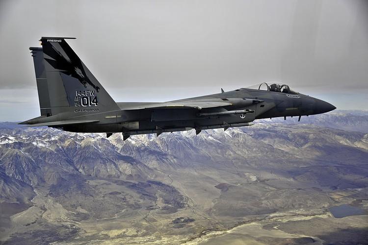 Them mot nan nhan bi ha boi tiem kich bat bai F-15-Hinh-9