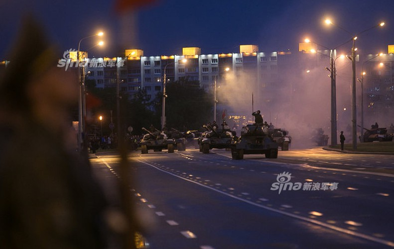 Hoanh trang khong kem Nga duyet binh cua Belarus-Hinh-10