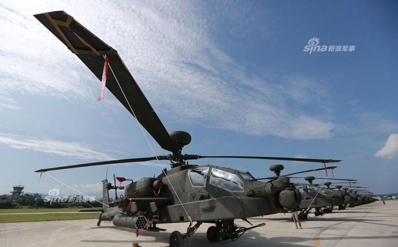 Choang voi doi truc thang tan cong Apache cua Dai Loan-Hinh-3