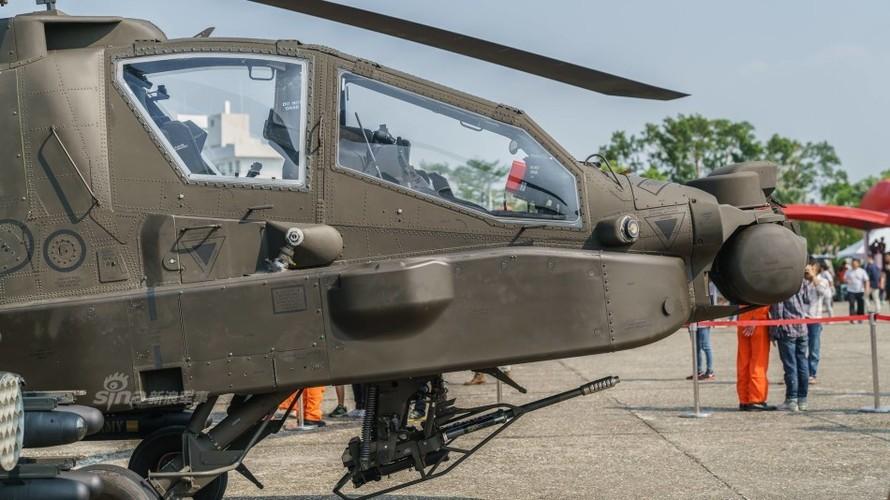 Choang voi doi truc thang tan cong Apache cua Dai Loan-Hinh-4