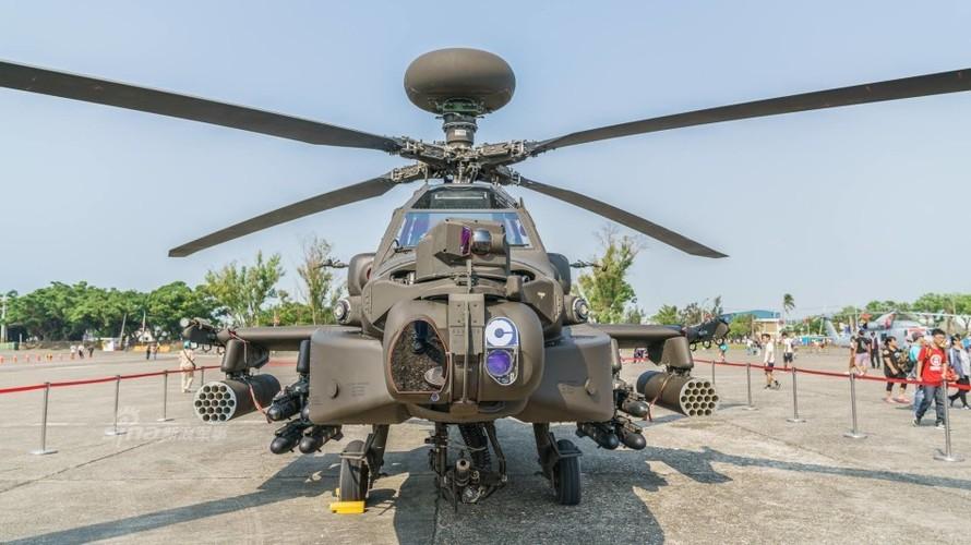 Choang voi doi truc thang tan cong Apache cua Dai Loan-Hinh-8