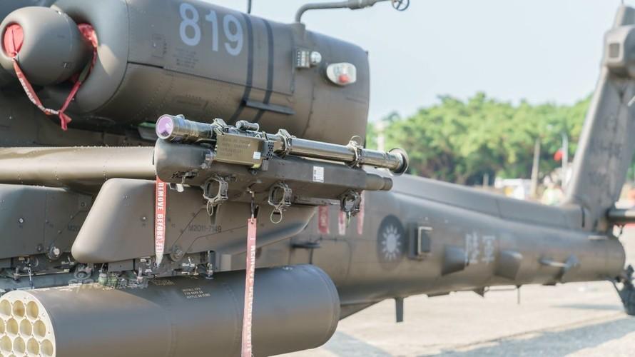 Choang voi doi truc thang tan cong Apache cua Dai Loan-Hinh-9