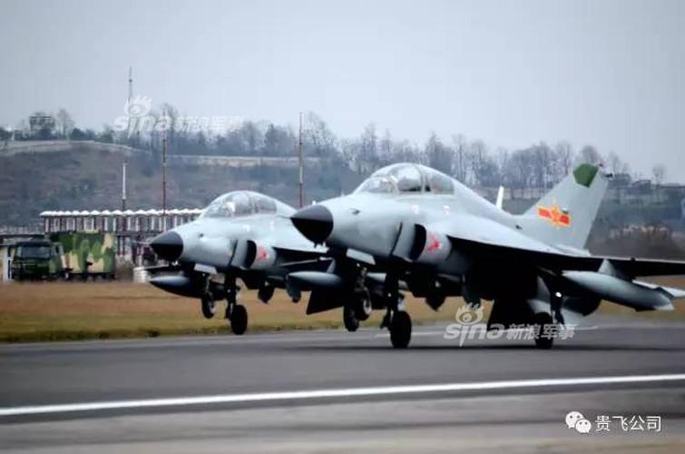 Kinh ngac nhiem vu cua may bay huan luyen JL-9 Trung Quoc-Hinh-4