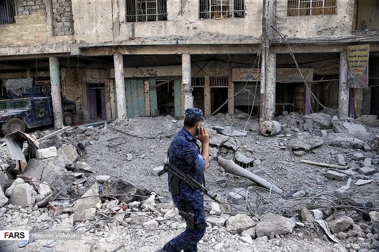 Luc luong canh sat Iraq o Mosul sau ngay giai phong-Hinh-5