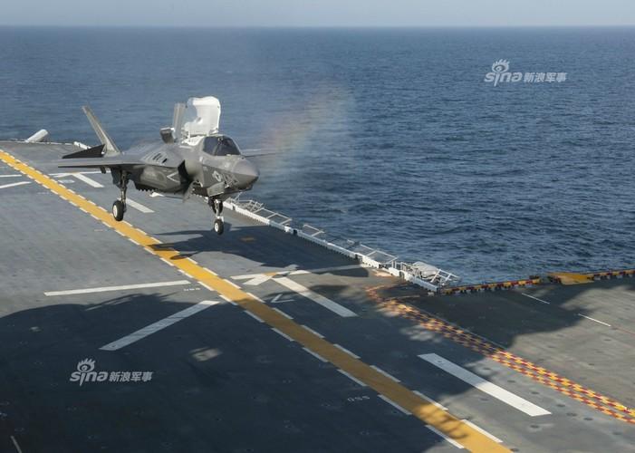 Tau do bo My mang F-35B huong ve ban dao Trieu Tien-Hinh-3