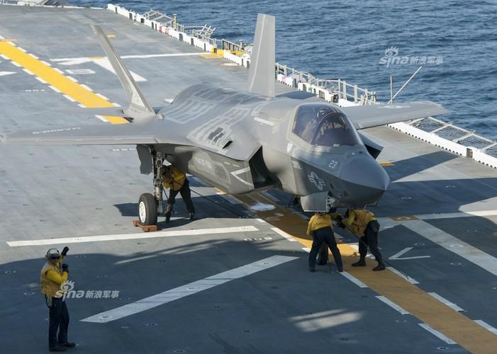 Tau do bo My mang F-35B huong ve ban dao Trieu Tien-Hinh-4