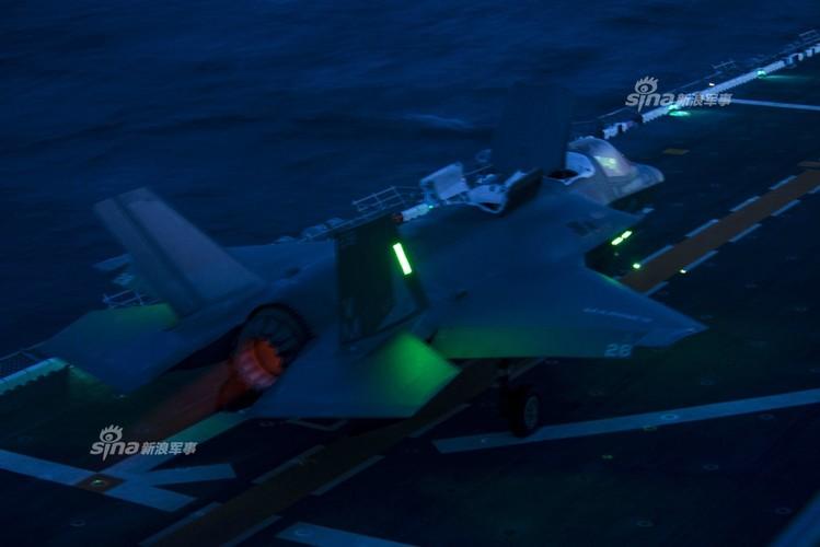 Tau do bo My mang F-35B huong ve ban dao Trieu Tien-Hinh-7