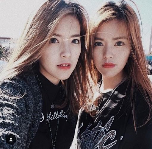"""Nhan sac cap chi em song sinh """"hot"""" nhat cong dong mang-Hinh-12"""