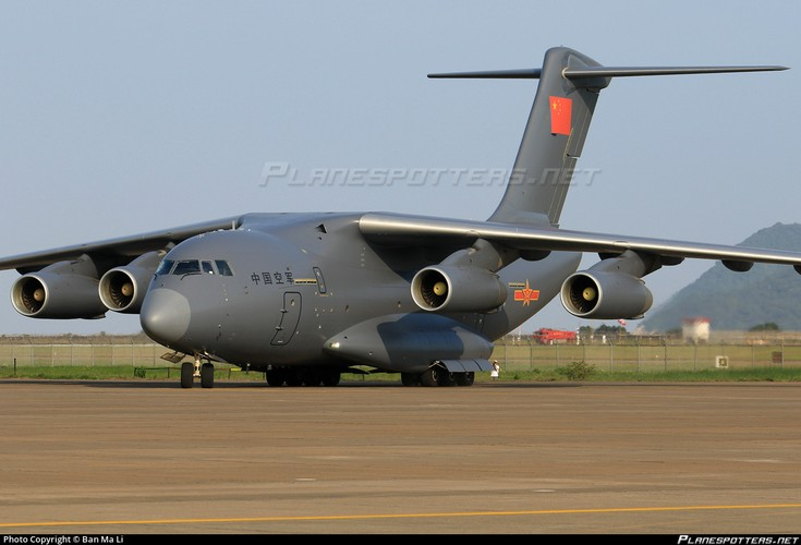 """Lo dien van tai co Trung Quoc soan ngoi """"ngua tho"""" IL-76-Hinh-2"""
