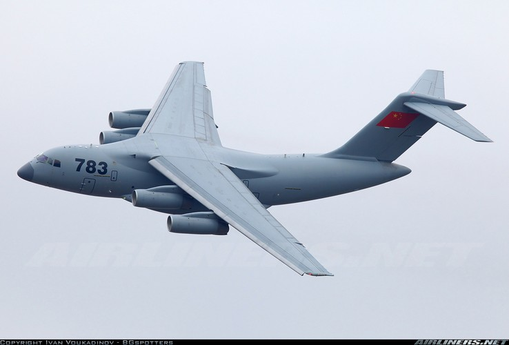 """Lo dien van tai co Trung Quoc soan ngoi """"ngua tho"""" IL-76-Hinh-3"""