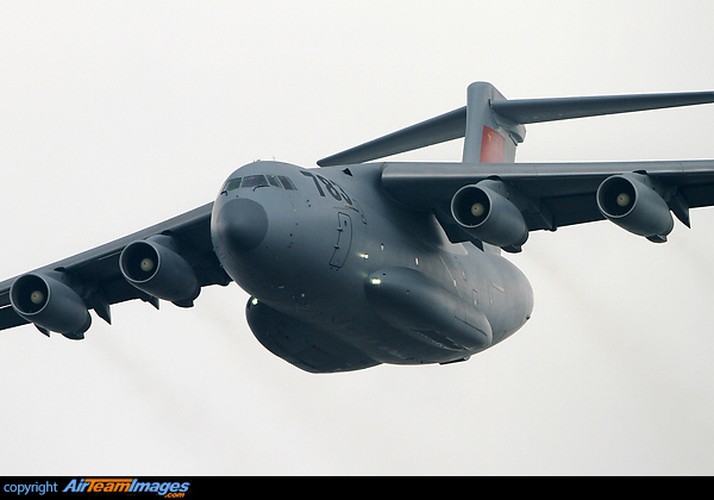 """Lo dien van tai co Trung Quoc soan ngoi """"ngua tho"""" IL-76-Hinh-4"""