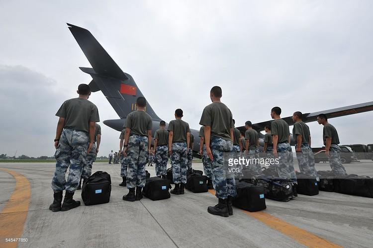 """Lo dien van tai co Trung Quoc soan ngoi """"ngua tho"""" IL-76-Hinh-7"""