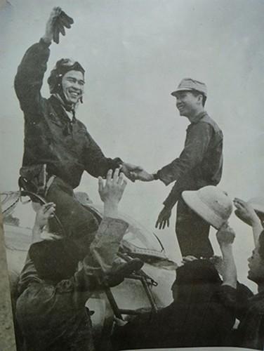"""Phai chang Khong quan Viet Nam """"ngang ngua"""" voi KQ My-Hinh-3"""